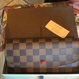 ❤️FIRM Louis Vuitton ebene emilie wallet w box😍
